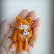 Украшения handmade. Livemaster - original item Brooch Cat with a mouse. Handmade.