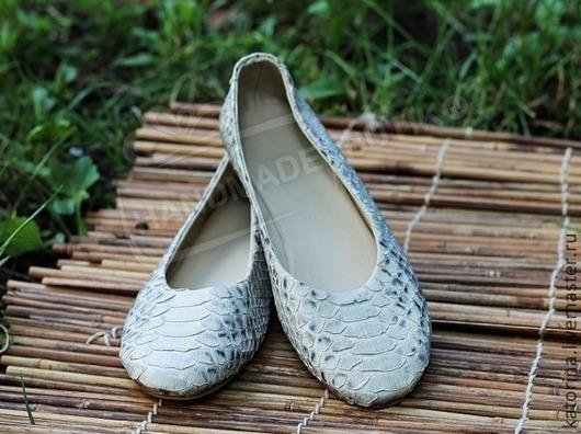 Обувь ручной работы. Ярмарка Мастеров - ручная работа. Купить Балетки из питона Бело-серые.. Handmade. Балетки, Балетки на заказ
