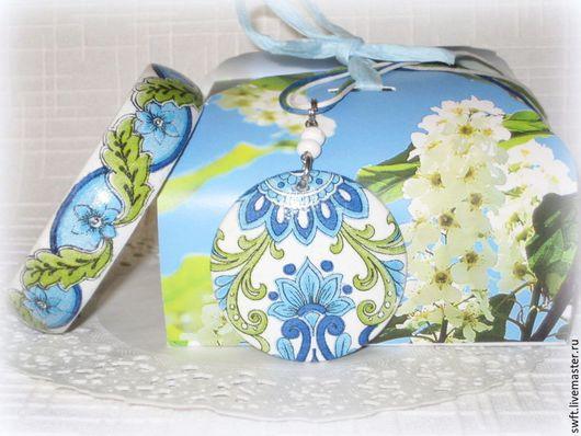 синий голубой зеленый белый восточный женский недорогой деревянный браслет кулон серьги орнамент недорого подарок что подарить девушке женщине сестре подруге маме жене на 8 марта день рождения дерево
