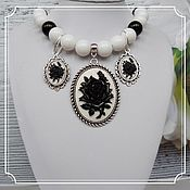 Украшения handmade. Livemaster - original item Agate jewelry set with cameos (necklace and earrings). Handmade.