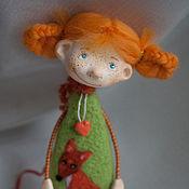 Куклы и игрушки ручной работы. Ярмарка Мастеров - ручная работа Лисичкина сестричка (подвеска-магнитик). Handmade.