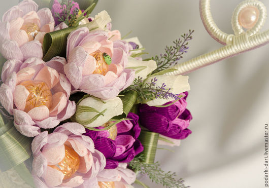 Букеты ручной работы. Ярмарка Мастеров - ручная работа. Купить Зонтик c  цветами из конфет. Handmade. Свадебный подарок, цветы