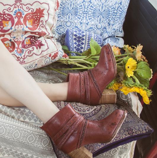 Обувь ручной работы. Ярмарка Мастеров - ручная работа. Купить Wanderer . Ботильоны с кожаными украшениями.. Handmade. Коричневый, ботильоны