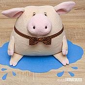 Куклы и игрушки ручной работы. Ярмарка Мастеров - ручная работа Поросенок Хрю, подушка-игрушка. Handmade.