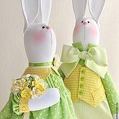 Куклы и игрушки ручной работы. Ярмарка Мастеров - ручная работа Весенняя мелодия. Парочка белых кроликов, пасхальные кролики. Handmade.