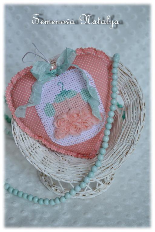 Подвески ручной работы. Ярмарка Мастеров - ручная работа. Купить Сердечко текстильное Pink mint, мятно-розовый, кукольное платье. Handmade.