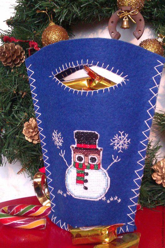 Подарочная упаковка ручной работы. Ярмарка Мастеров - ручная работа. Купить Новогодняя сумочка из синего фетра для подарка и конфет. Handmade.