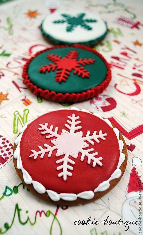"""Новый год 2017 ручной работы. Ярмарка Мастеров - ручная работа. Купить Имбирное печенье """"Funny Сhristmas"""". Handmade. Ярко-красный"""