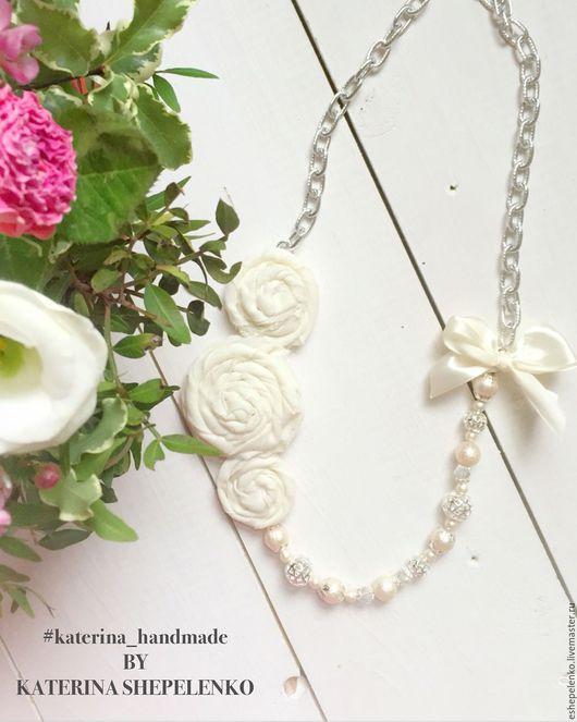 Колье, бусы ручной работы. Ярмарка Мастеров - ручная работа. Купить Колье из натуральных камней ванильные шебби розы. Handmade.