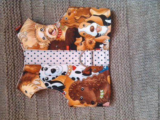 """Одежда для собак, ручной работы. Ярмарка Мастеров - ручная работа. Купить Желетка-шлейка"""" Собачки """". Handmade. Комбинированный"""