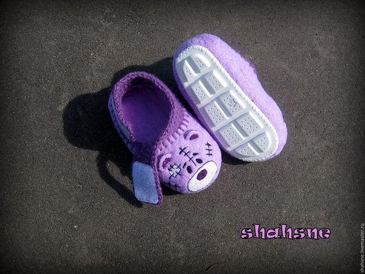 """Детская обувь ручной работы. Ярмарка Мастеров - ручная работа. Купить валяные тапочки (пинетки) детские """"Тедди"""". Handmade. Сиреневый"""
