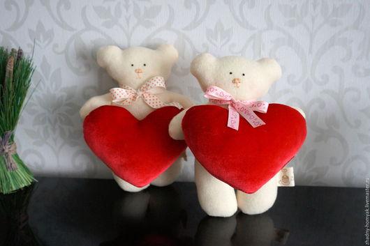 Куклы Тильды ручной работы. Ярмарка Мастеров - ручная работа. Купить Медвежонок с сердцем. Handmade. Мягкая игрушка, подарок маме