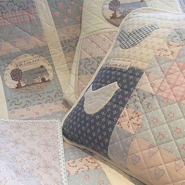 Текстиль ручной работы. Ярмарка Мастеров - ручная работа Комплект в детскую кроватку. Handmade.
