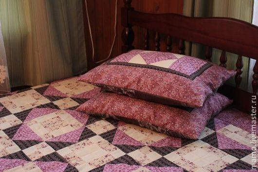 """Текстиль, ковры ручной работы. Ярмарка Мастеров - ручная работа. Купить Комплект лоскутное покрывало и подушки """"Сакура"""". Handmade. Комплект"""