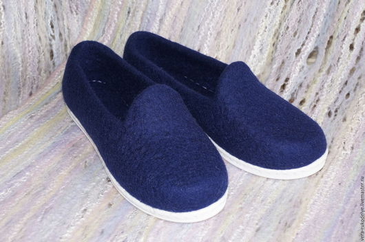 """Обувь ручной работы. Ярмарка Мастеров - ручная работа. Купить Слипоны валяные """"Глубина"""". Handmade. Валяная обувь, тёмно-синий"""