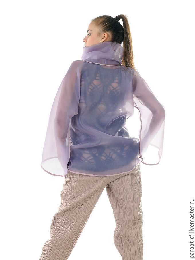 Блузки с воротником хомут