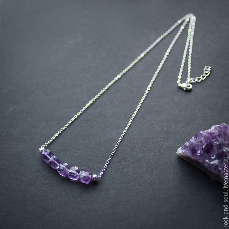 Necklace with amethyst