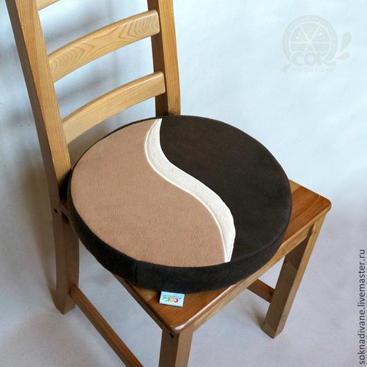 Неудобно сидеть на стуле? А на полу и подоконнике прохладно? - у нас есть решение по обуючиванию ситуации :) - наши Сочные, мягкие, теплые, очень удобные и, что важно, стильные ДОЛЬКИ-СИДУШКИ предназначены для того, чтобы дарить Вам комфорт!