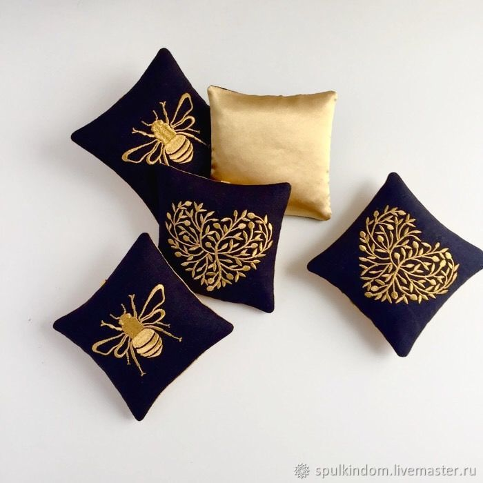 Sachet with embroidery 'Golden bee', Aromatic sachets, Moscow,  Фото №1