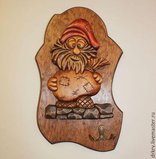 """Прихожая ручной работы. Ярмарка Мастеров - ручная работа. Купить Ключница """"Домовёнок"""". Handmade. Комбинированный, сувенир, резное, морилка"""