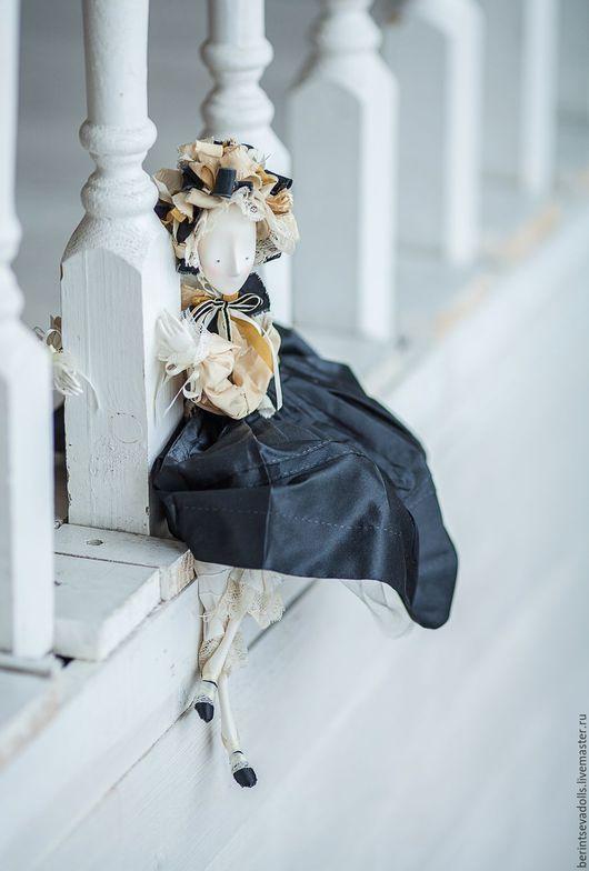 Коллекционные куклы ручной работы. Ярмарка Мастеров - ручная работа. Купить Кукла в темно - сером. Handmade. Темно-серый