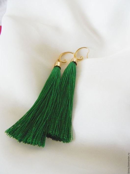 Серьги ручной работы. Ярмарка Мастеров - ручная работа. Купить Серьги - кисточки Зеленые. Handmade. Зеленый, серьги ручной работы