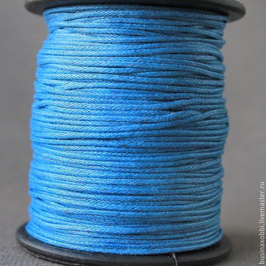 Шнур вощеный хлопок синий на катушке Шнур плетеный из хлопка синий цвета  с восковой пропиткой диаметром 1 мм и длиной 10 метров для сборки украшений
