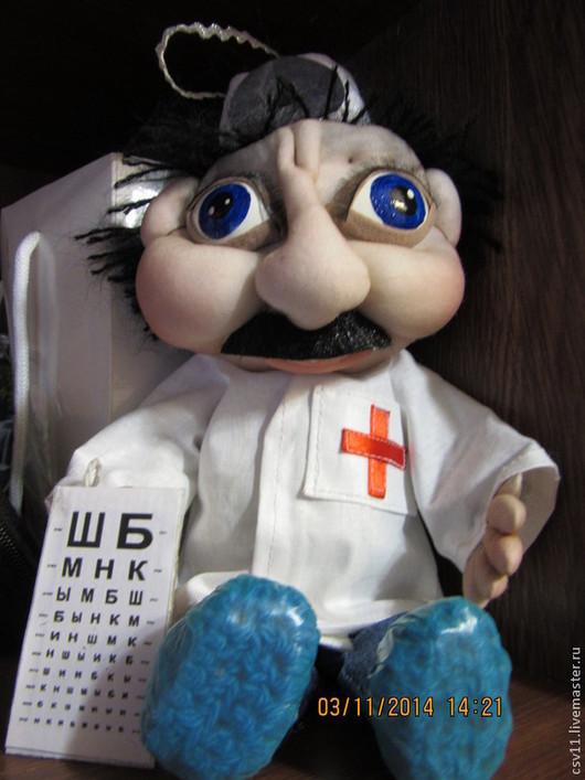 """Коллекционные куклы ручной работы. Ярмарка Мастеров - ручная работа. Купить Подарок ручной работы. Доктор """"Офтальмолог"""". Handmade."""