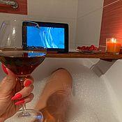 Подставки ручной работы. Ярмарка Мастеров - ручная работа Подставка из дерева для планшета, свечей и бокала вина в ванну. Handmade.