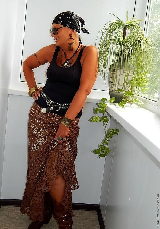 стоимость юбки с объемом бедер больше 106 см - 11000 руб.