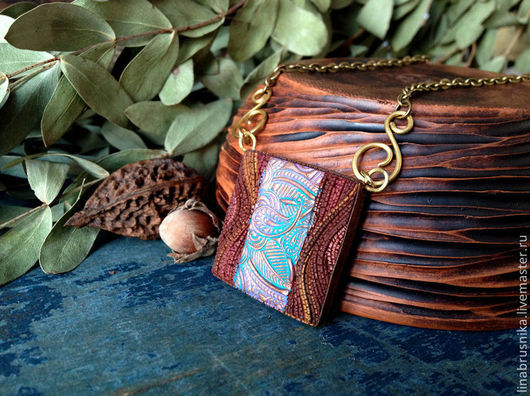 кулон из комплекта `Королевство Марокко`. Автор - Алина Логинова (украшения `Брусника`).