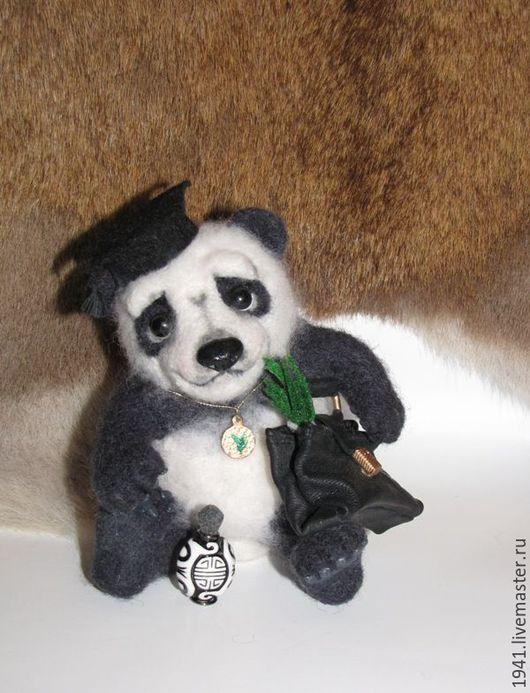 Коллекционные куклы ручной работы. Ярмарка Мастеров - ручная работа. Купить Панда, учёный бакалавр. Handmade. Чёрно-белый, панда
