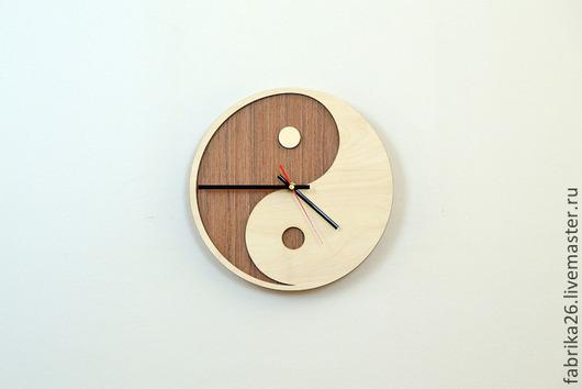 Часы для дома ручной работы. Ярмарка Мастеров - ручная работа. Купить Деревянные часы из натурального шпона. Handmade. Коричневый