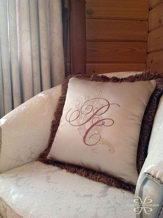 Текстиль, ковры ручной работы. Ярмарка Мастеров - ручная работа. Купить Подушка вышитая. Handmade. Вышивка, подушка в авто, вензеля