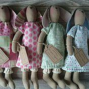 Куклы и игрушки ручной работы. Ярмарка Мастеров - ручная работа Интерьерная текстильная игрушка Тильда Зайка в платьице. Handmade.
