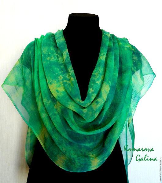 Шелковый шарф палантин `Зеленое лето`