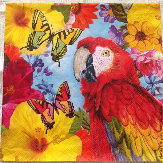 Яркий попугай,цветы,бабочки Декупажная радость.