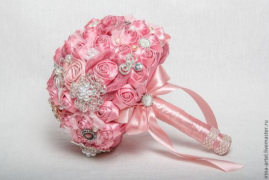 Свадебные цветы ручной работы. Ярмарка Мастеров - ручная работа. Купить Букет-брошь. Handmade. Розовый, букет для невесты, бусины