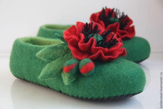 """Обувь ручной работы. Ярмарка Мастеров - ручная работа. Купить Тапочки """"МАКИ"""". Handmade. Валяные тапочки, подарок девушке"""