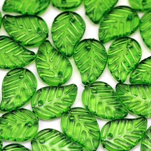 Бусины подвески акриловые прозрачные в форме листа дерева  для использования в сборке украшений в качестве бусин или подвесок Цвет бусин зеленый