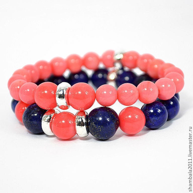 Set of bracelets made of coral and lapis lazuli