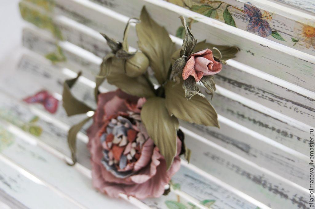 """Броши ручной работы. Ярмарка Мастеров - ручная работа. Купить Кожаная брошь """"Сады Версаля"""". Handmade. Роза, брошь цветок"""