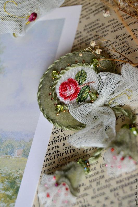 Броши ручной работы. Ярмарка Мастеров - ручная работа. Купить Вышитая брошь Роза 2. Handmade. Оливковый, винтажные украшения