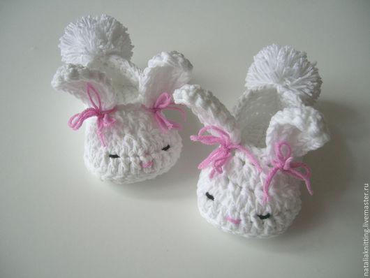 """Для новорожденных, ручной работы. Ярмарка Мастеров - ручная работа. Купить Пинетки """"Зайчата"""". Handmade. Белый, вязаные пинетки"""
