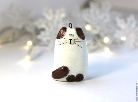 Новый год 2017 ручной работы. Ярмарка Мастеров - ручная работа. Купить Новогодняя ёлочная игрушка Сиамский кот. Handmade. Белый