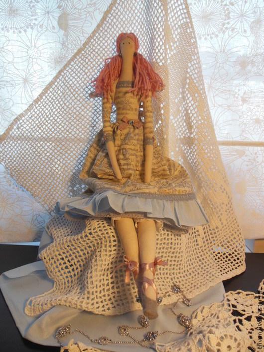 платье куклы из американского коллекционного ситца, хлопок 100%. отделка английское кружево, искуственный жемчуг