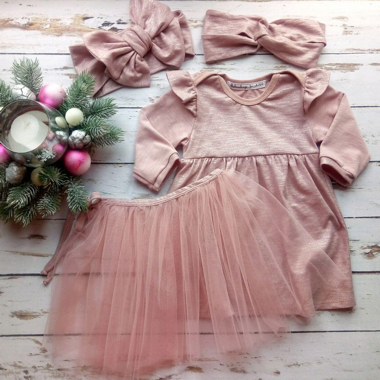 Пудровое платье-боди