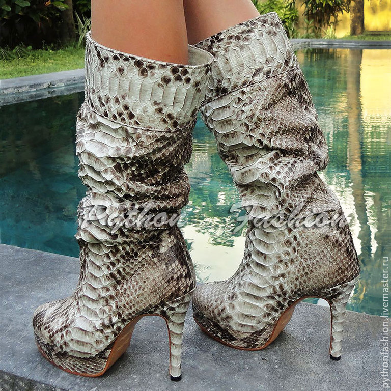 Shoes Python skin handmade. Boots original Python skin heels. Beautiful womens ankle boots from Python to order. Fashionable boots made of Python on the platform. The boots from Python.