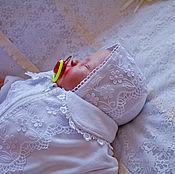 Работы для детей, ручной работы. Ярмарка Мастеров - ручная работа Комбинезон-конверт  и чепчик на выписку  для новорожденного. Handmade.