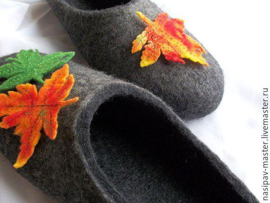 """Обувь ручной работы. Ярмарка Мастеров - ручная работа. Купить Тёплые валяные тапочки """"Листья"""". Handmade. Серый, теплые тапочки"""